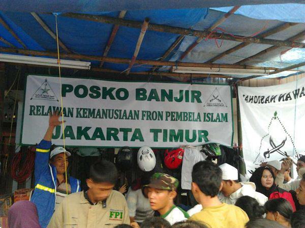 FPI_Posko_Bantuan_Banjir